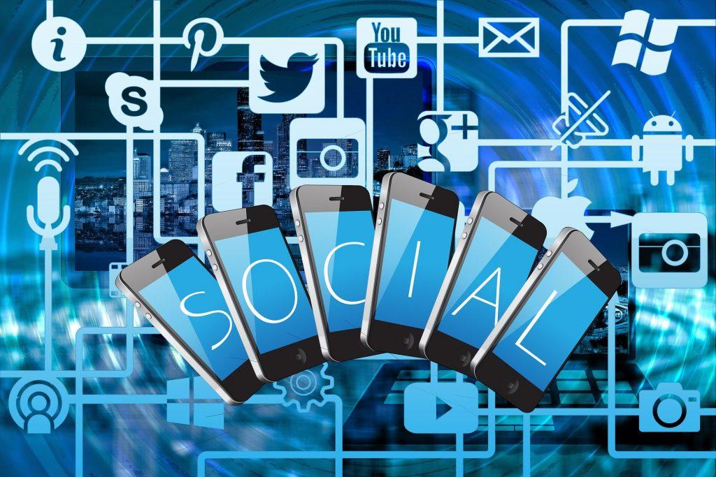 Description: Twitter, Facebook, Together, Exchange Of Information
